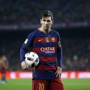 Un mois de prison pour un policier qui a «joué» avec le passeport de Lionel Messi