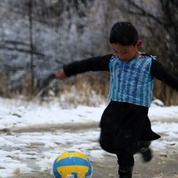 Un enfant afghan pourrait rencontrer son idole Lionel Messi