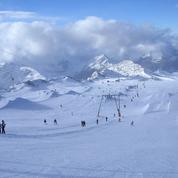 Deux Alpes : un mort et deux blessées après une descente de ski sur un matelas