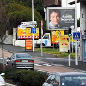 Bagarre autour du retour des grandes affiches à l'entrée des petites villes