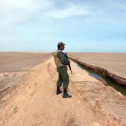 La Tunisie a clôturé près de 200 km de sable face à la Libye