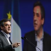 Devant le Crif, Fillon joue de ses différences avec Sarkozy et Juppé