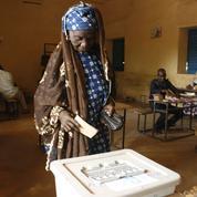Niger : Mahamadou Issoufou brigue un deuxième mandat lors d'une présidentielle tendue