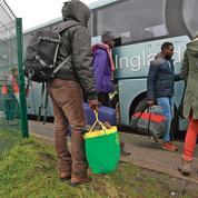 Migrants: Cazeneuve face au défi de la relocalisation