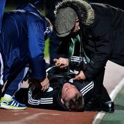L'entraîneur de Créteil évacué après avoir pris un ballon en pleine tête