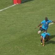 Rugby : il se fait contrer par les fesses de son coéquipier