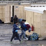 À Grande-Synthe, le camp «modèle» des associations d'aide aux migrants