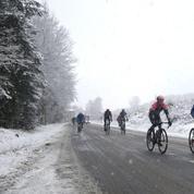 Pour se réchauffer, les coureurs de Paris-Nice s'urinent dessus