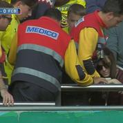 Une spectatrice complètement sonnée sur une frappe non cadrée de Messi