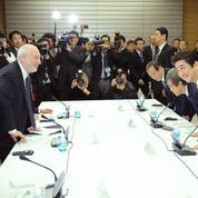Des Nobel d'économie poussent le Japon à opérer un virage