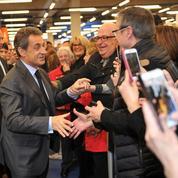 Face aux difficultés judiciaires, Sarkozy se rassure sur le terrain