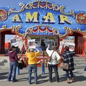 Les cirques manifestent sur le périphérique parisien