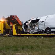 12 morts dans un accident entre un minibus et un poids lourd dans l'Allier