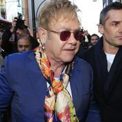 Elton John : son ex-garde du corps l'accuse de harcèlement sexuel