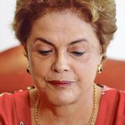 Au Brésil, Dilma Rousseff poussée vers la sortie