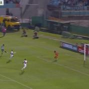 La frappe surpuissante d'Edinson Cavani avec l'Uruguay