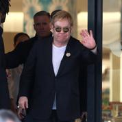 Elton John contre-attaque et nie tout «harcèlement sexuel»