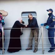 À Lesbos, le renvoi des migrants a débuté