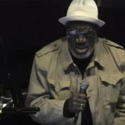 Mort du chanteur de jazz Bill Henderson