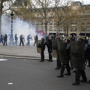 Loi travail : des incidents émaillent la manifestation place de la République