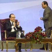 Hollande renforce les liens avec l'Égypte