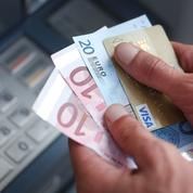 Pourquoi les Français laissent-ils leur argent dormir sur leur compte courant ?