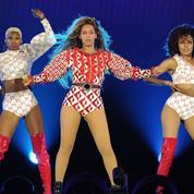 Beyoncé rend hommage à Prince lors du premier concert de sa tournée