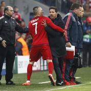 Quand Ribéry tente de calmer Simeone en plein match
