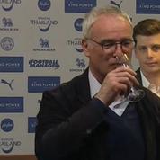 L'entraineur de Leicester a bu du champagne avec les journalistes en conférence de presse