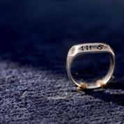 L'anneau de Jeanne d'Arc restera en France
