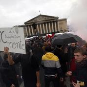 Loi travail : des milliers de manifestants contre le passage en force du gouvernement