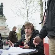 Les activistes de Nuit debout mobilisent les internautes sur motiondecensure.fr