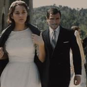 Cannes: Marion Cotillard «crève l'écran» dans Mal de pierres
