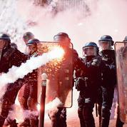 Face aux violences, la colère des policiers