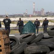 Raffineries en grève, pénurie de carburants : ce qu'il faut savoir à la mi-journée