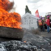 Grèves, élevage de poules, dette grecque: le brief de la mi-journée