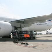 Pénurie de carburant: les aéroports s'organisent et disposent de plusieurs jours de réserve de kérosène