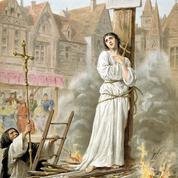 Jeanne d'Arc, brûlée vive pour avoir repris ses habits d'homme