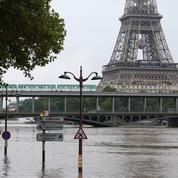 Inondations: Manuel Valls annonce une aide «de 500 euros en moyenne par foyer»