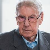 Un ancien garde du camp d'Auschwitz condamné en Allemagne