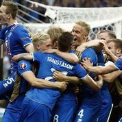 Un commentateur perd le contrôle sur le deuxième but de l'Islande