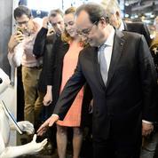 Hollande s'enfonce dans l'impopularité mais fait un pas de plus vers 2017