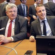 Le secrétaire d'État au Budget raille le «surhomme» Macron