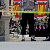 Indonésie: attaque suicide contre un commissariat