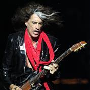 Joe Perry, guitariste d'Aerosmith, dans un état stable après un malaise sur scène