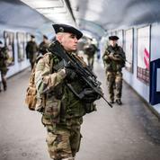 Défense: des armées gagnées par la fatigue et l'inquiétude