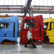 La Commission européenne inflige une amende record au «cartel des camions»