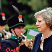 Comment Theresa May prépare son pays au Brexit