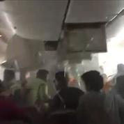 Dubaï : scène de chaos à l'intérieur de l'avion en feu