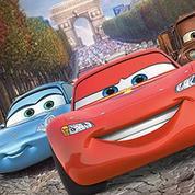 Les Cars déboulent sur les Champs-Elysées